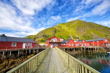 Fotomurales - Norwegian red houses rorbu in Ballstad, Lofoten Islands, Norway
