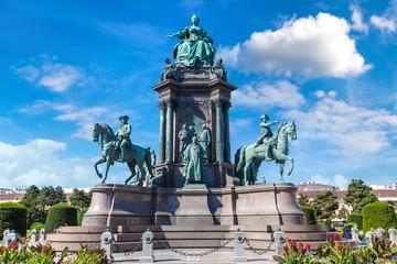 Foto op Aluminium Wenen Maria Theresa statue in Vienna