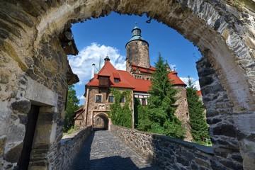 Fotorolgordijn Kasteel Medieval defensive Czocha castle in Lesna, Poland