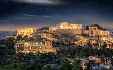 Fotomurales - Die Akropolis von Athen mit Sternenhimmel bei Nacht, Griechenland