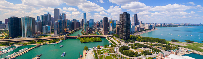 Fototapeten Chicago Aerial panorama Downtown Dhicago summer 2017