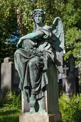 Grabfigur auf dem Alten Südfriedhof in München