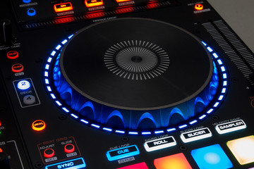 Controlador DJ 02