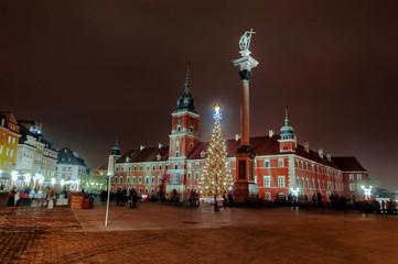 Plac Zamkowy nocą
