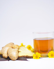 Spoed Foto op Canvas Thee Hot ginger juice helps relieve cold and nasal congestion (vertical).