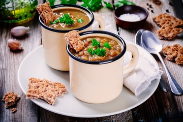 lentil soup with crispbread and parsley