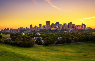 Wall Mural - Sunset above Edmonton downtown, Canada
