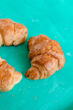 Mini-Croissant mit Butter