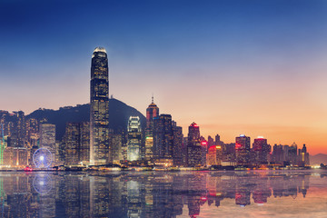 Photo sur Aluminium Hong-Kong Hong Kong island and business downtown at twilight scene