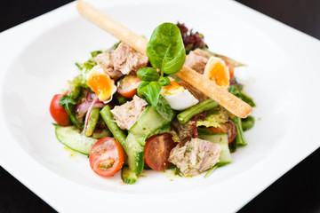 Salad nicoise with tuna