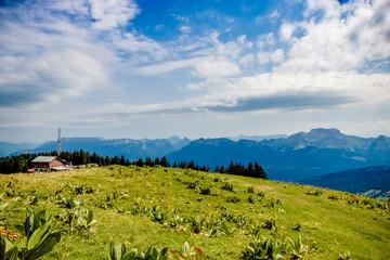 En randonnée dans le Parc naturel régional du massif des Bauges
