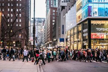 michigan ave crowds cross street Fotobehang