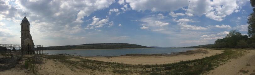 Embalse del Ebro. Las Rozas de Valdearroyo.