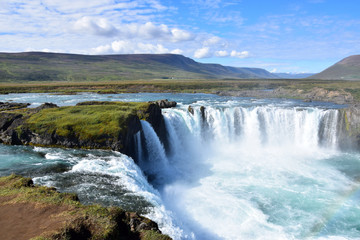 Fototapeten Wasserfalle Goðafoss 1