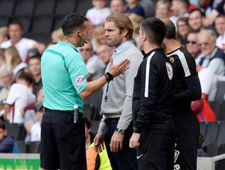 League One - Milton Keynes Dons vs Oxford United