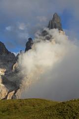 il Cimon de la Pala tra le nuvole