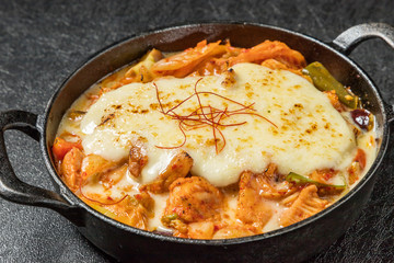 韓国料理タッカルビ Dak galbi(Korean chicken grilled dish)