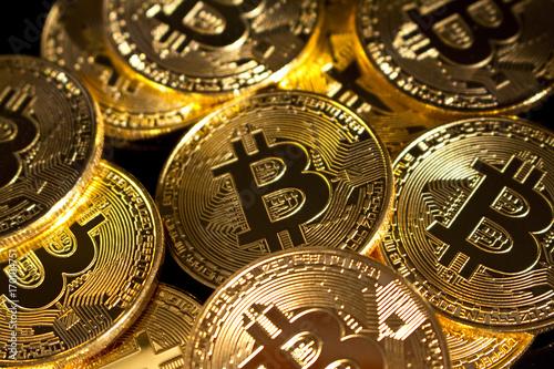Bitcoin Münzen Gold Kryptowährung Stockfotos Und Lizenzfreie