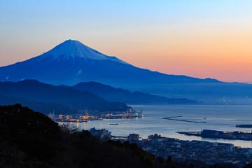 日本平から望む朝焼けと富士山