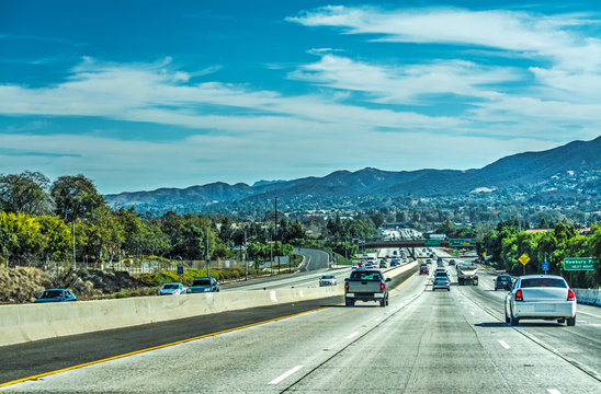 Traffic in 101 freeway southbound