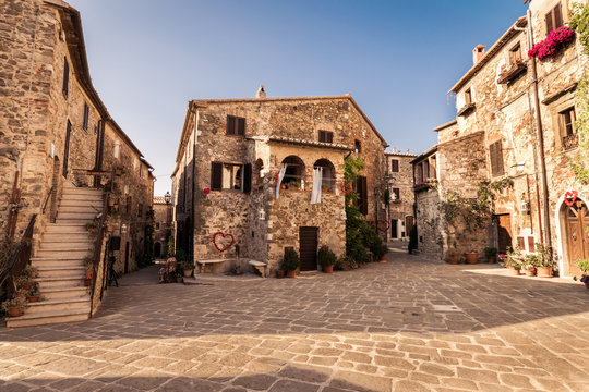 Old town of Montemerano, Tuscany, Italy.