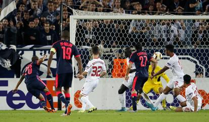 FC Girondins de Bordeaux v Liverpool - UEFA Europa League Group Stage - Group B