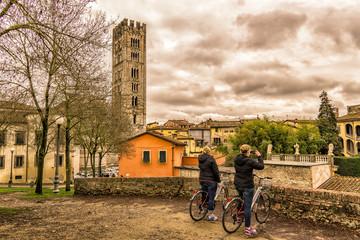 En bici por Lucca