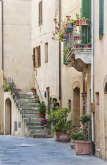 Fototapete - Alley in Ancient Town Pienza, Tuscany, Italy