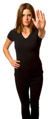 Attraktive junge Frau zeigt Stop