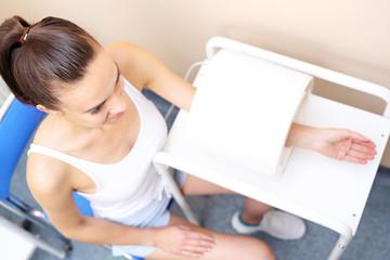 Pole magnetyczne, rehabilitacja ręki  w chorobie zwyrodnieniowej stawów