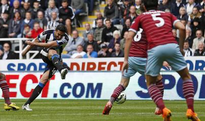 Newcastle United v West Ham United - Barclays Premier League