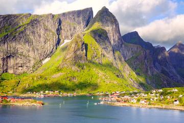Fotomurales - Fishing village of Reine in Lofoten Islands, Norway