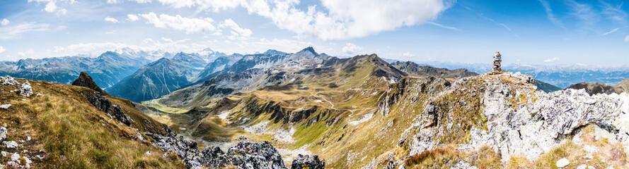 Alpenpanorama Wallis mit Steinpyramide, Alpen im Valais, la Brinta, von Vercorin nach Grimnetz, Eifischtal, Schweiz  Wall mural