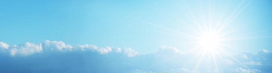 Sonniger Himmel