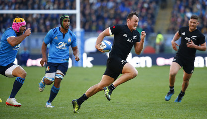 New Zeland's Israel Dagg runs in to score a try