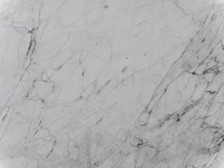 Weißer Marmor mit grauen Linien