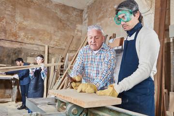 übernehmen kann eine gmbh wertpapiere kaufen Holzverarbeitung gmbh kaufen 34c gesellschaft kaufen kredit