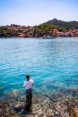 Pêcheur dans la Ansa de la Baleta à Collioure