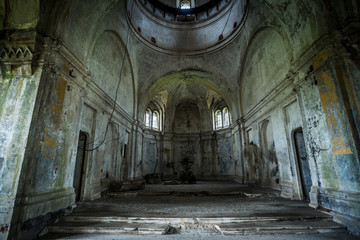 Photo sur Aluminium Edifice religieux Interior of abandoned church of Dmitry Solunsky