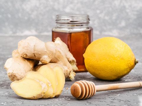 ginger slice, ginger root, lemon and honey