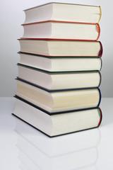 Bücherstapel-Freisteller