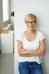 moderne geschäftsfrau in der firma