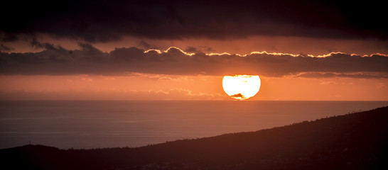 Papiers peints Marron Sunset in bourbon island