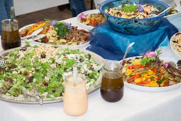 Salatbuffet mit Vinegar