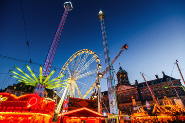 Foto op Aluminium Amusementspark Night view of amusement park carousel