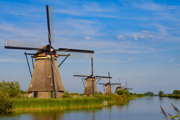 Spoed Fotobehang Molens Windmühlen von Kinderdijk/NL
