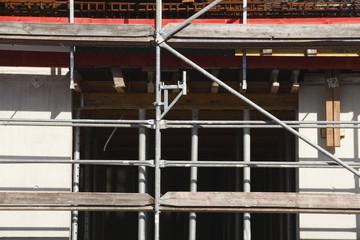 Baugerüst, Hausfassade, Rohbau