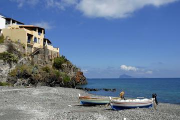 Fischerboote am Strand von Canneto