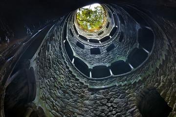 Quinta da Regaleira, The well