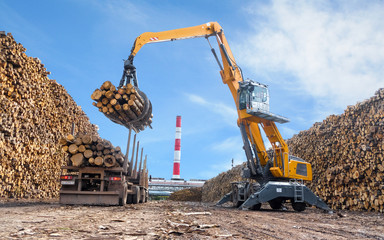 machinery for loading logs